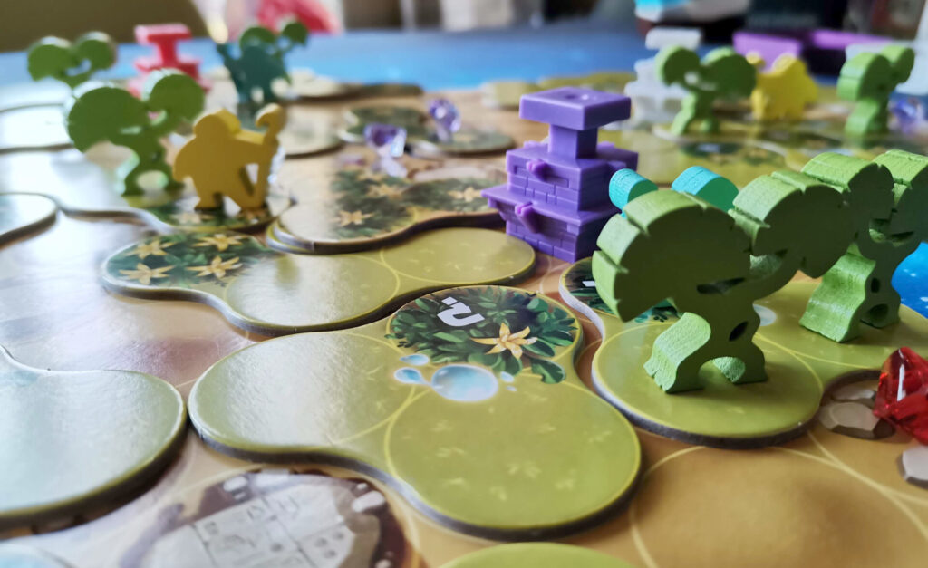 ishtar game with trees, gardens and workers